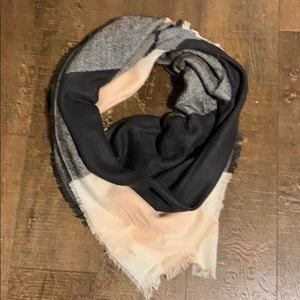Accessories - Pink, ivory, and gray wrap/scarf